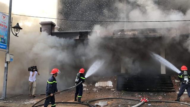 Triệu tập 2 công nhân gò hàn liên quan vụ cháy vũ trường Leo ở Đà Nẵng - Ảnh 2.