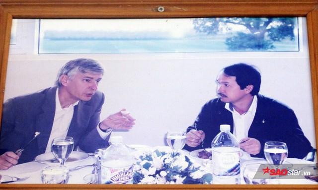 Bầu Đức và giáo sư Hồ Ngọc Đại - Ảnh 1.