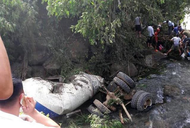 Hiện trường thảm khốc vụ tai nạn 12 người chết, 3 người bị thương ở Lai Châu - Ảnh 2.