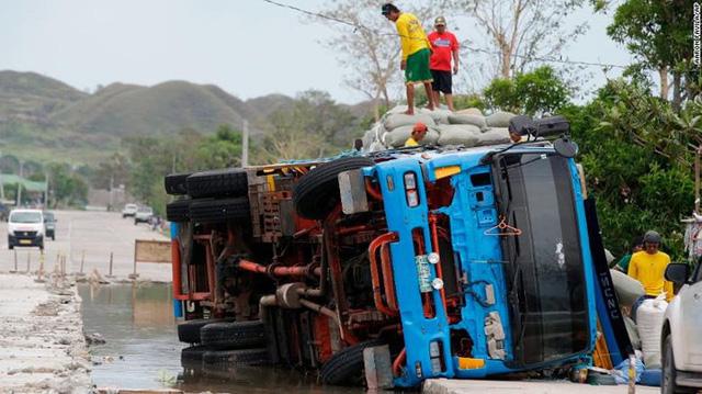 Số người chết vì bão Mangkhut ở Philippines tăng chóng mặt - Ảnh 4.