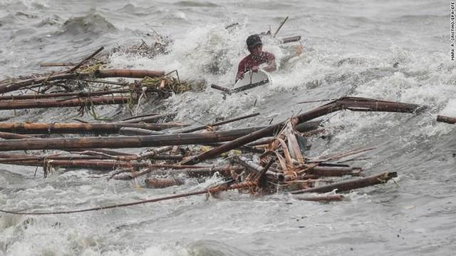 Số người chết vì bão Mangkhut ở Philippines tăng chóng mặt - Ảnh 8.