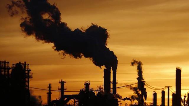 Thị trường dầu thô đang bị chi phối bởi yếu tố nào? - Ảnh 1.