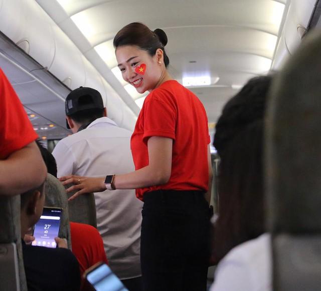 Chuyến bay đặc biệt của Vietnam Airlines đón đội tuyển Olympic về nước đúng ngày Quốc khánh - Ảnh 1.