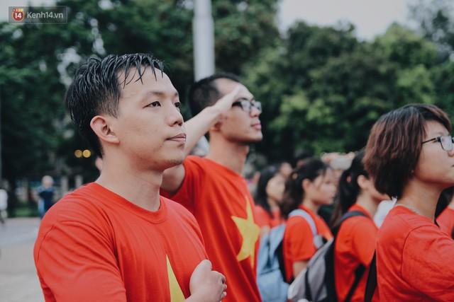 Xúc động lễ chào cờ thiêng liêng nhất trong năm tại Quảng trường Ba Đình lịch sử - Ảnh 6.