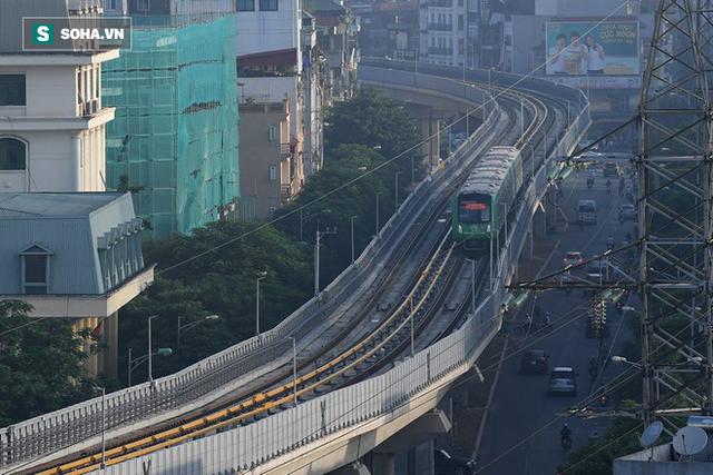 13 đoàn tàu đường sắt Cát Linh - Hà Đông đang chạy thử trong sáng nay - Ảnh 15.
