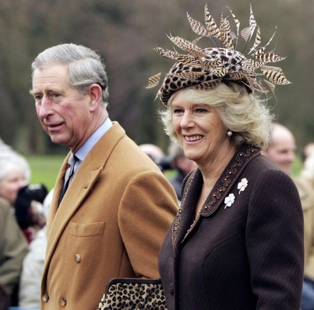 Từng giản dị đến mức nhàm chán, bà Camilla đã thay đổi phong cách thế nào để lọt top 30 nhân vật mặc đẹp nhất nước Anh? - Ảnh 14.