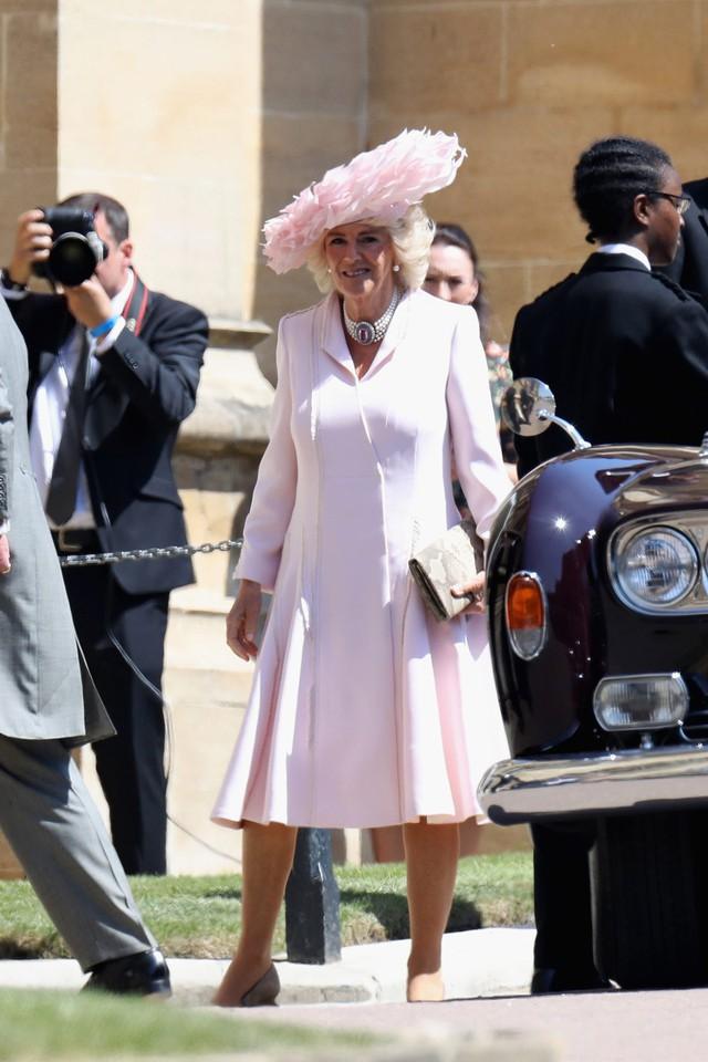 Từng giản dị đến mức nhàm chán, bà Camilla đã thay đổi phong cách thế nào để lọt top 30 nhân vật mặc đẹp nhất nước Anh? - Ảnh 7.