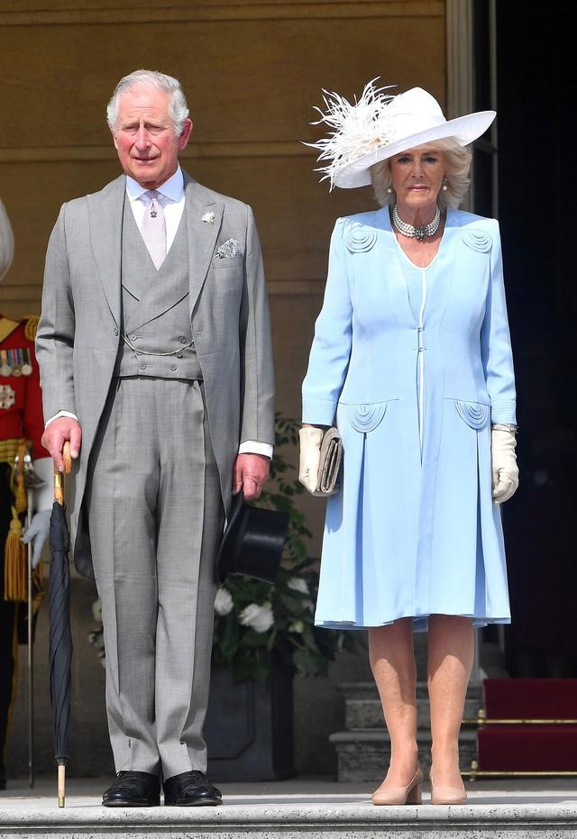 Từng giản dị đến mức nhàm chán, bà Camilla đã thay đổi phong cách thế nào để lọt top 30 nhân vật mặc đẹp nhất nước Anh? - Ảnh 8.