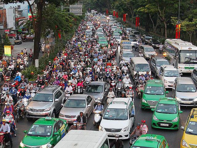 Mở nhiều đường kết nối sân bay Tân Sơn Nhất - Ảnh 1.