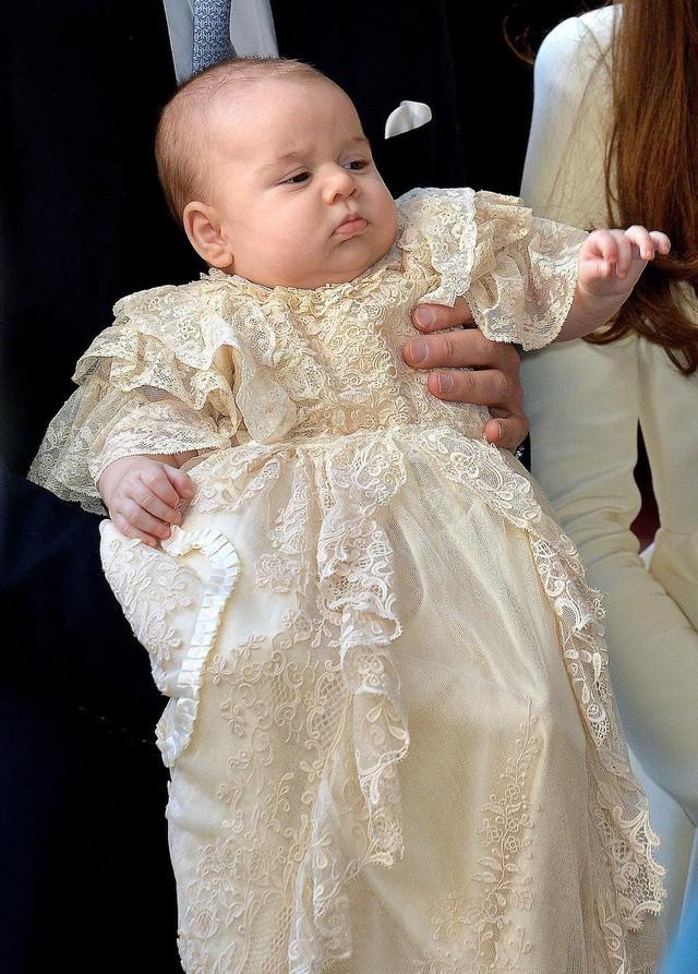 Những bức ảnh tiết lộ một cuộc sống của Hoàng gia Anh thực sự diễn ra như thế nào đằng sau vẻ ngoài hào nhoáng - Ảnh 11.