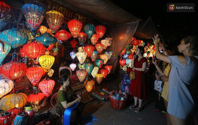 Nghề làm đèn lồng truyền thống ở phố cổ Hội An tất bật những ngày cận Trung thu - Ảnh 18.