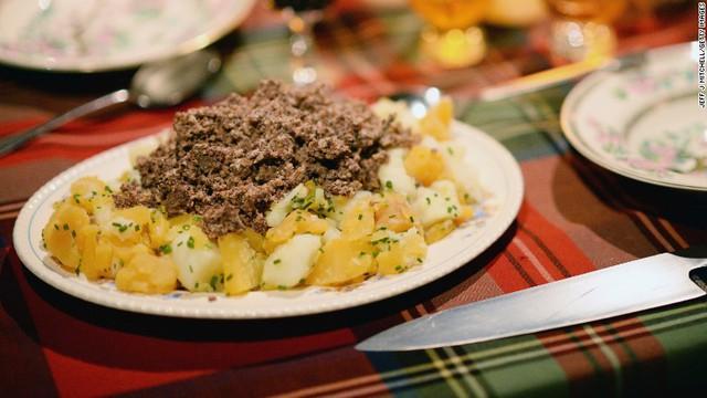 Khám phá món dồi được mệnh danh là Quốc ẩm của người Scotland - Ảnh 3.