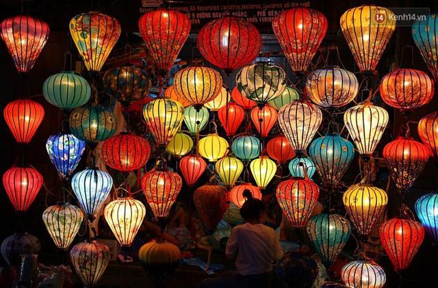 Nghề làm đèn lồng truyền thống ở phố cổ Hội An tất bật những ngày cận Trung thu - Ảnh 21.