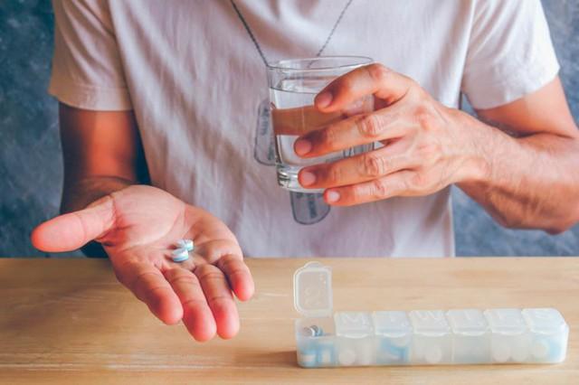 Mối nguy hại ẩn giấu trong tủ thuốc gia đình: Nhiều thứ rất quen thuộc nhưng dùng sai một ly có thể đe dọa đến cả tính mạng - Ảnh 5.