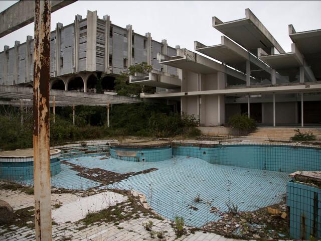 10 công trình nổi tiếng giờ ở trong cảnh hoang tàn: Không thể tin có nơi từng được dùng cho sự kiện tầm cỡ thế giới - Ảnh 8.