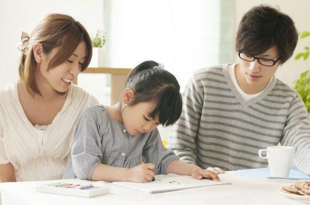 """Không muốn biến con thành người chỉ biết """"há miệng chờ sung"""", cha mẹ nhất định phải dạy con 4 bài học này - Ảnh 1."""