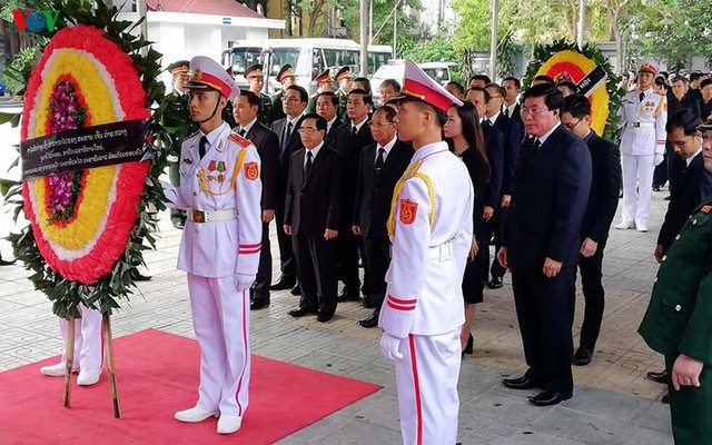 Các đoàn đại biểu quốc tế viếng Chủ tịch nước Trần Đại Quang - Ảnh 1.