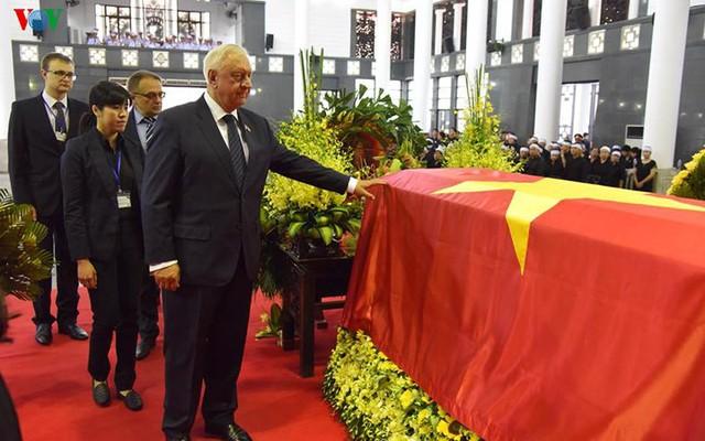 Các đoàn đại biểu quốc tế viếng Chủ tịch nước Trần Đại Quang - Ảnh 17.