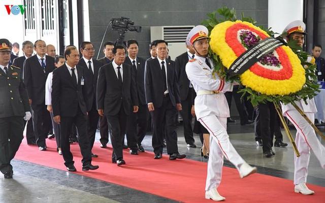 Các đoàn đại biểu quốc tế viếng Chủ tịch nước Trần Đại Quang - Ảnh 3.