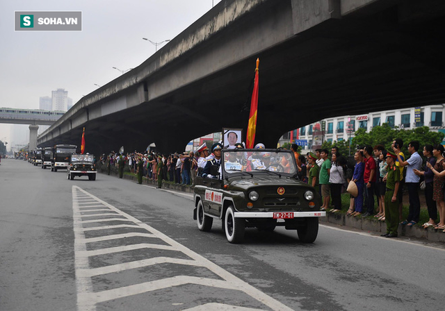 Xe tang đưa linh cữu Chủ tịch nước Trần Đại Quang về quê hương Ninh Bình - Ảnh 11.