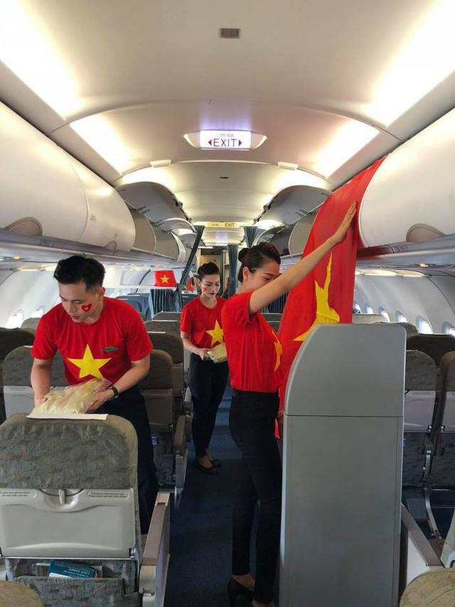 Chuyện bí mật đặc biệt sau giờ G mới kể của tiếp viên hàng không trên chuyến chuyên cơ đón đoàn Thể thao Việt Nam ngày 2/9 - Ảnh 2.