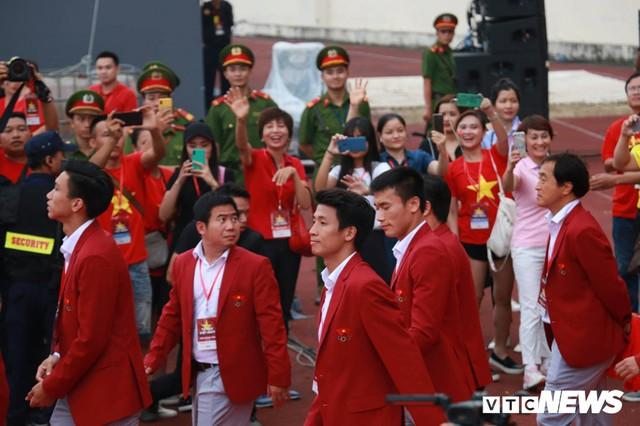 Những khoảnh khắc chứng minh Olympic Việt Nam vô địch trong lòng hàng triệu người hâm mộ - Ảnh 11.