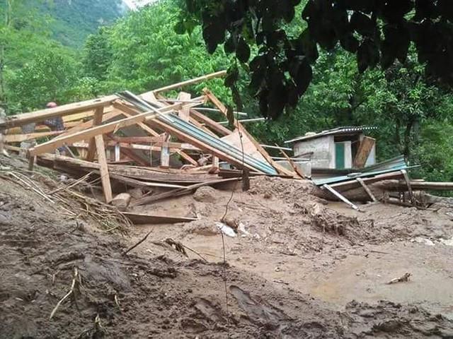 Hình ảnh mưa lũ tàn phá khủng khiếp ở Mường Lát  - Ảnh 12.