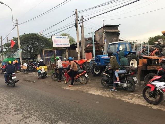 Người dân ùn ùn trở lại Sài Gòn sau lễ - Ảnh 29.