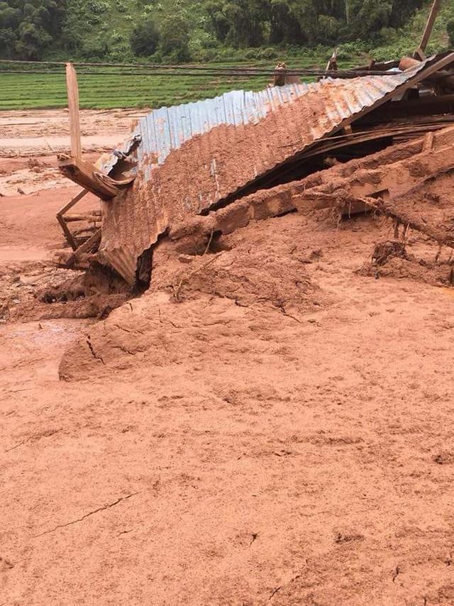 Hình ảnh mưa lũ tàn phá khủng khiếp ở Mường Lát  - Ảnh 4.