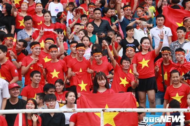 Những khoảnh khắc chứng minh Olympic Việt Nam vô địch trong lòng hàng triệu người hâm mộ - Ảnh 4.