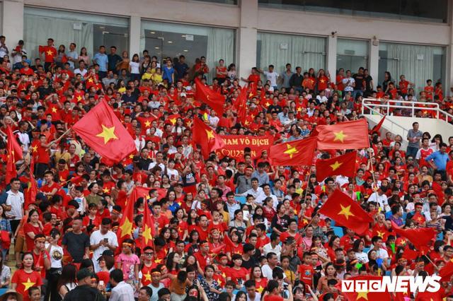 Những khoảnh khắc chứng minh Olympic Việt Nam vô địch trong lòng hàng triệu người hâm mộ - Ảnh 5.