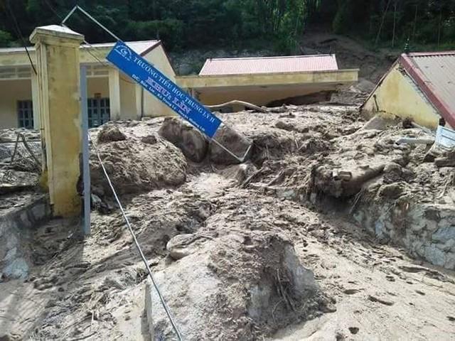 Hình ảnh mưa lũ tàn phá khủng khiếp ở Mường Lát  - Ảnh 6.