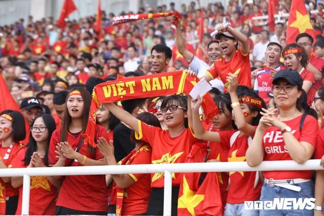 Những khoảnh khắc chứng minh Olympic Việt Nam vô địch trong lòng hàng triệu người hâm mộ - Ảnh 6.