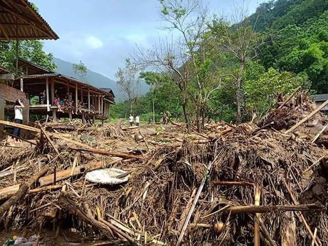 Hình ảnh mưa lũ tàn phá khủng khiếp ở Mường Lát  - Ảnh 7.