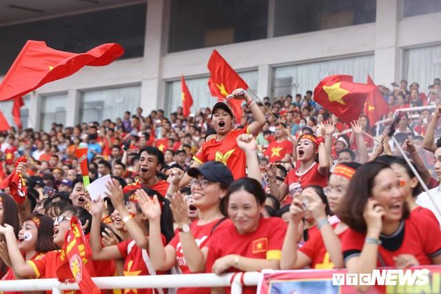 Những khoảnh khắc chứng minh Olympic Việt Nam vô địch trong lòng hàng triệu người hâm mộ - Ảnh 7.