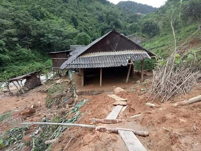 Hình ảnh mưa lũ tàn phá khủng khiếp ở Mường Lát  - Ảnh 8.