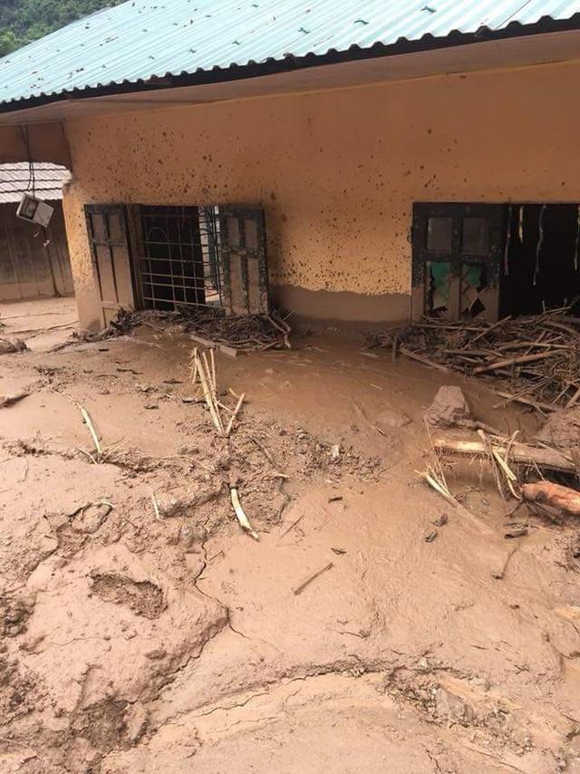 Hình ảnh mưa lũ tàn phá khủng khiếp ở Mường Lát  - Ảnh 9.