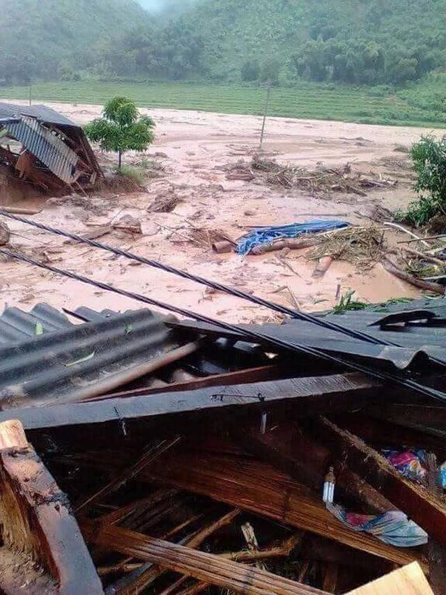 Hình ảnh mưa lũ tàn phá khủng khiếp ở Mường Lát  - Ảnh 10.
