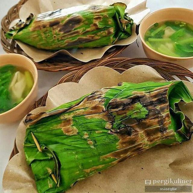Ở Indonesia có một nhà hàng với kiểu thưởng mì độc đáo chưa từng thấy, ăn xong đảm bảo nhớ mãi - Ảnh 3.