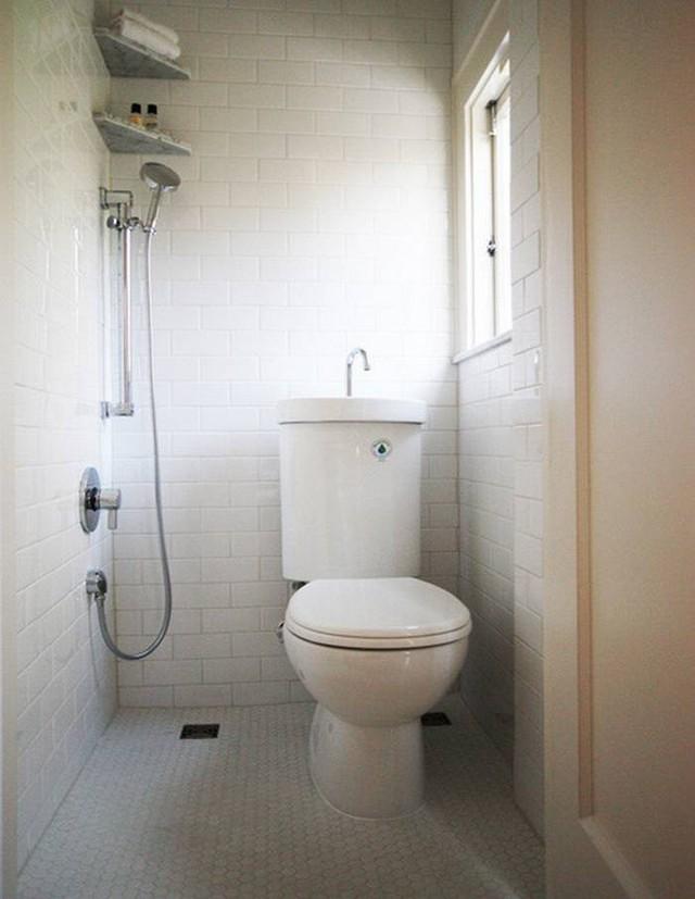 Phòng tắm chật hẹp sẽ rộng không ngờ nhờ một số mẹo dễ làm này - Ảnh 3.