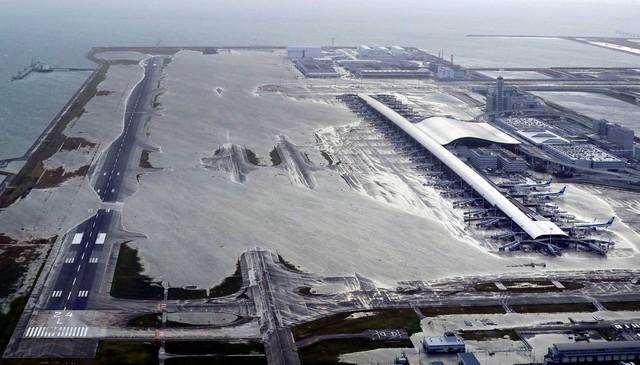 Hình ảnh sau cơn bão mạnh nhất 25 năm ập vào Nhật Bản - Ảnh 4.