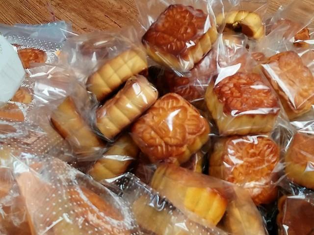 Cần Thơ phát hiện hàng ngàn bánh Trung thu không rõ nguồn gốc - Ảnh 1.