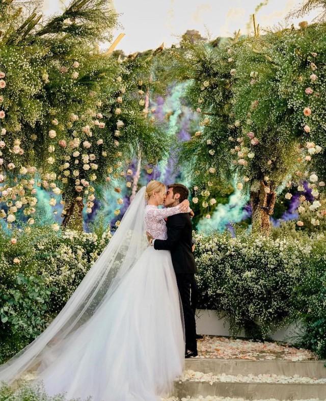 Vogue khẳng định: Đám cưới của Chiara Ferragni hot hơn cả đám cưới cổ tích của hoàng tử Harry và Meghan Markle! - Ảnh 1.