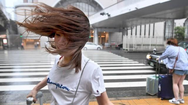 Hình ảnh: Nhật Bản hoang tàn, đổ nát sau liên tiếp siêu bão Jebi và động đất 6 độ Richter ở Hokkaido - Ảnh 15.