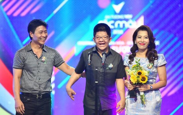 VTV Award 2018: Táo Quân đột ngột xuất hiện, U23 và bé Bôm đoạt giải thưởng quan trọng - Ảnh 4.