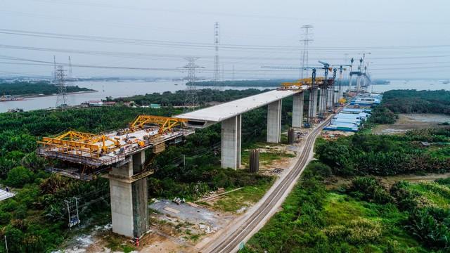 Cận cảnh cao tốc Bến Lức - Long Thành đoạn qua TP.HCM và Long An - Ảnh 6.