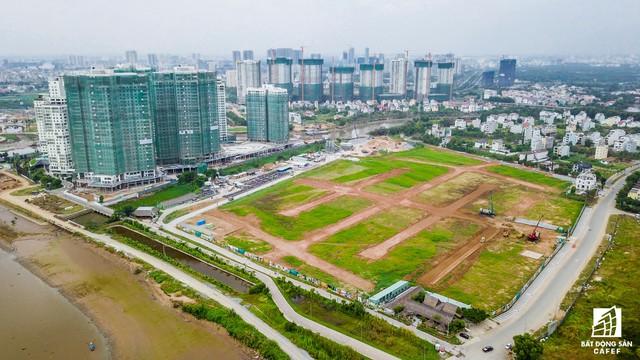 Hưng Thịnh Land cũng vừa giới thiệu ra thị trường một dự án rộng hơn 14,5ha nằm ngay cạnh Victoria Village của Novaland. Ngoài hàng trăm biệt thự, dự án này còn có khu căn hộ với hơn 1.000 căn.