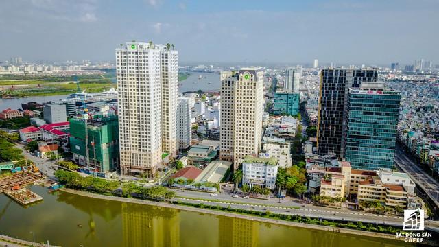 Tại Bến Vân Đồn (quận 4), Novaland đầu tư nhiều dự án. Trong hình là cụm dự án của Novaland đã và đang được xây dựng: Icon 56, The Tresor và Saigon Royal.