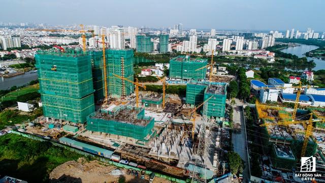 Dự án The Sun Riveside nằm trong khu đô thị Phú Mỹ Hưng (quận 7), nơi đang được TP.HCM đầu tư hàng loạt dự án giao thông lớn như hầm chui, tuyến metro số 4...