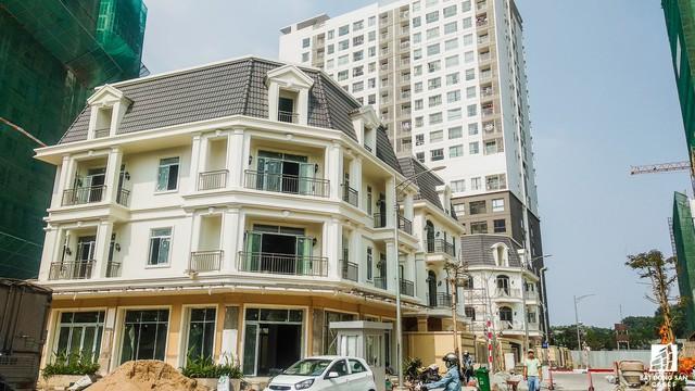 Tại tuyến đường Phổ Quang, Novaland có thể được nói là ông trùm vì đầu tư hàng loạt dự án căn hộ cao cấp tại đây.